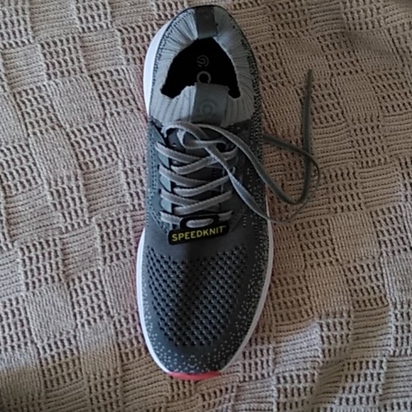 Amputee c9 champions sneakers size 7 mens